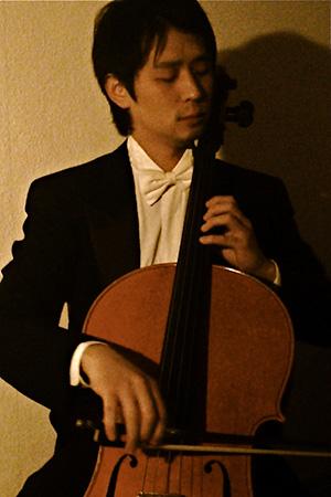チェロ奏者田口裕